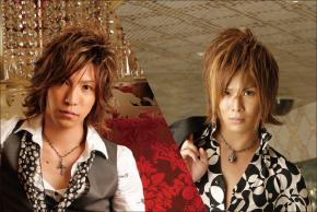 歌舞伎町のホストクラブエアーグループからデビューしたA・G・E「KABKI」の綾瀬涼&寿木栄スペシャルグラビアです。